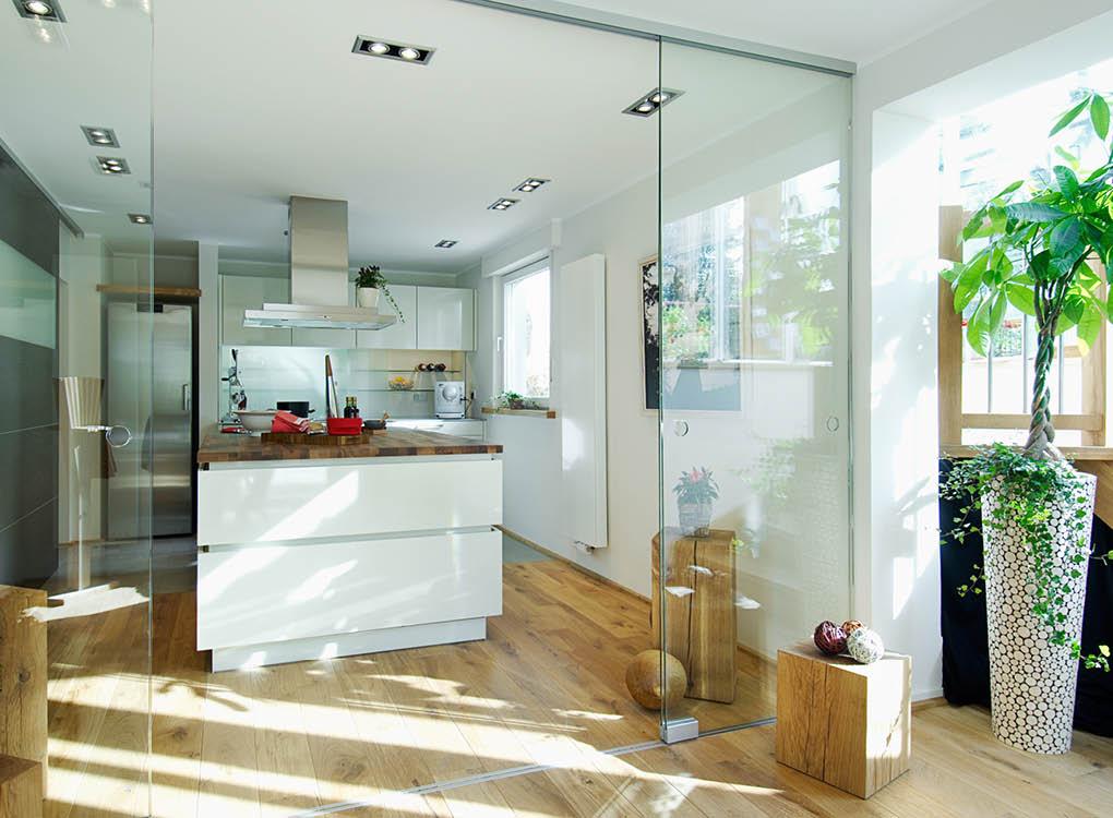 Glastüren als Trennwände für Dein Zuhause bei Stuke