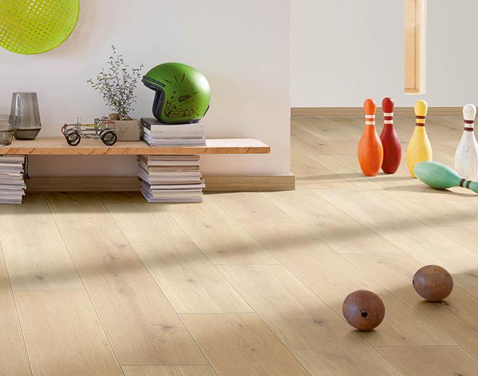 Warmer Laminat-Boden im Spielecke | Stuke Holz