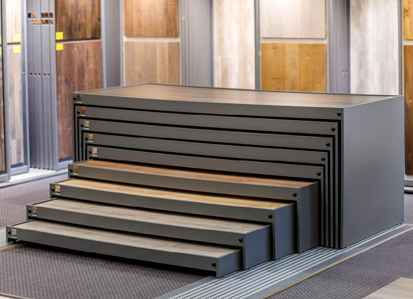 Ausstellung | Schiebeelement Laminat Böden | Produkte Böden | Stuke Holz