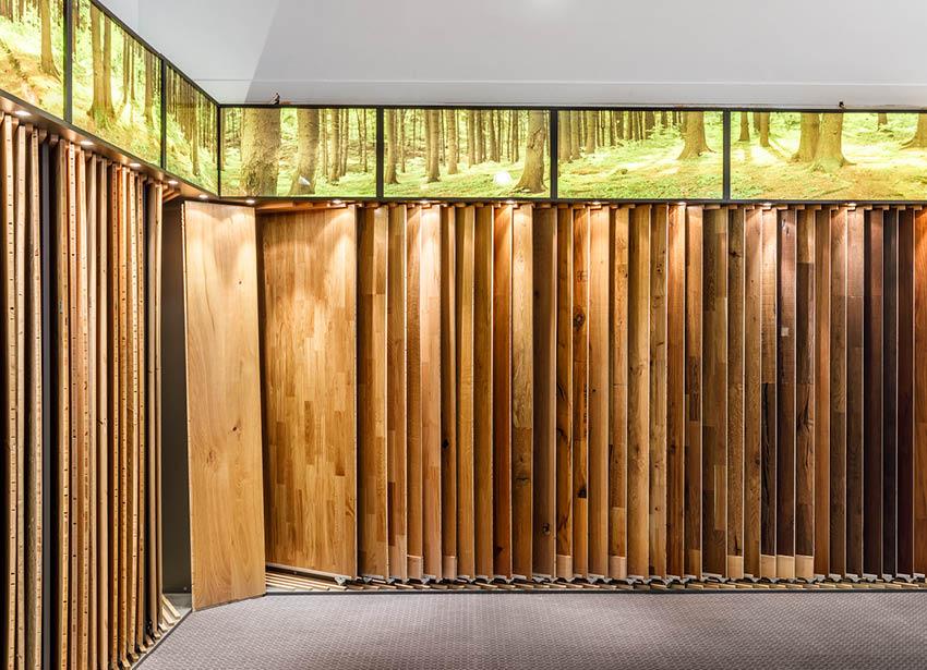 Ecke mit Bodenmustern in der Ausstellung | Produkte Böden | Stuke Holz
