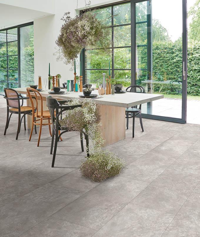 Laminat-Boden im Esszimmer | verschiedene Designs | Stuke Holz
