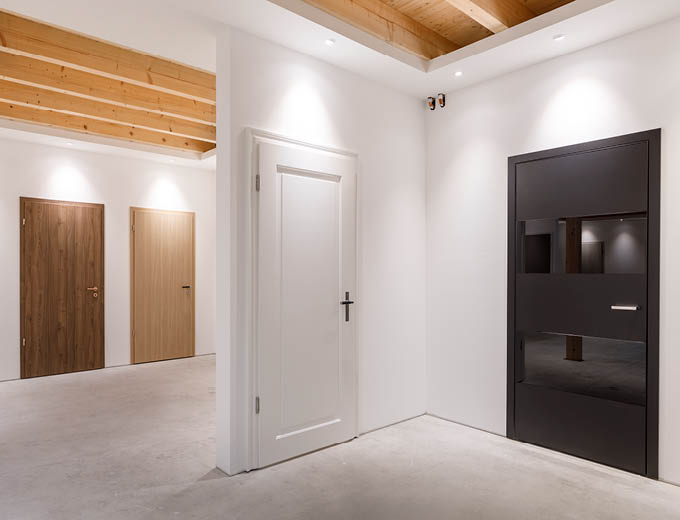 Türen in unserer Stuke-Ausstellung